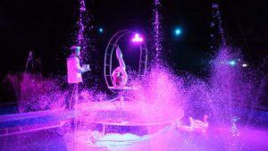 Circus unter Wasser auf dem Platz der Völkerfreundschaft