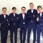 Chöre am Clara-Wieck-Gymnasium erhalten neue Auftrittskleidung