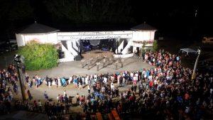 Ausgelassene Partystimmung beim Pöhler Strand- und Laternenfest
