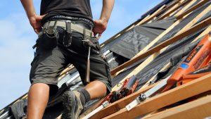 Lohn-Schieflage auf westsächsischen Dächern