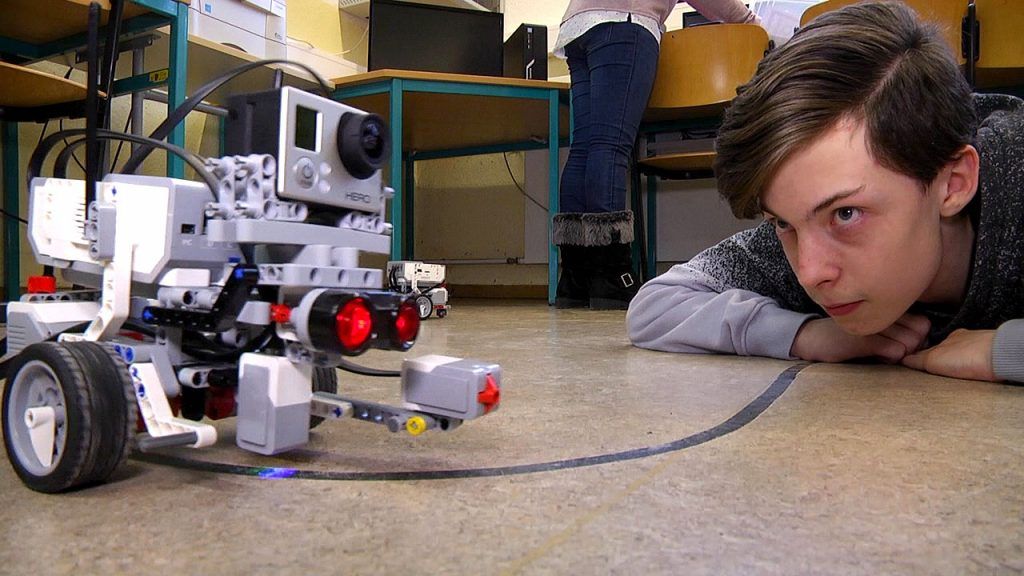 Roboter erobern Klassenzimmer